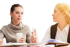 nos services 2 femmes discutant.jpg