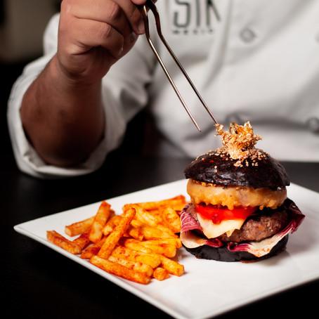 STK y su hamburguesa con hilos de oro, una delicia