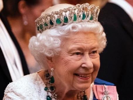 Los regalos más extraños que ha recibido la reina Isabel II