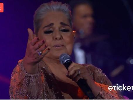 Lupita D'Alessio cura con su música