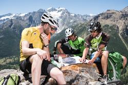 Randonneurs-VTT-Alpe-du-Lauzet-©-Carlos-Ayesta-Parc-National-des-Ecrins-59