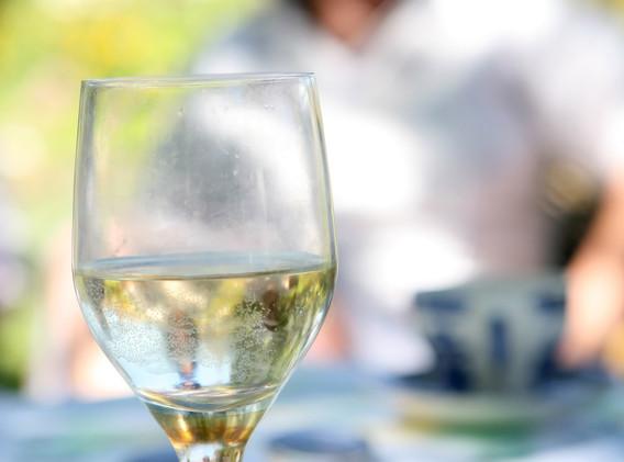 alcohol-1238956_1920.jpg