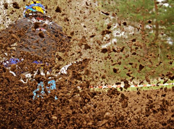 motocross-2262325_1920.jpg