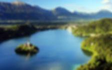 Bled est une commune du nord-ouest de la Slovénie, située dans la région de Haute-Carniole, au pied des Alpes juliennes.