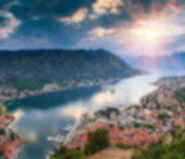 Réservez votre voyage sur mesure et à la carte avec Terra Balka dans un des plus beaux pays d'Europe : le Monténégro. Bouches de Kotor, parc du durmitor, canyon de la tara.