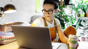 Modelo híbrido de trabalho ganha força nas empresas. Veja as vantagens e desafios