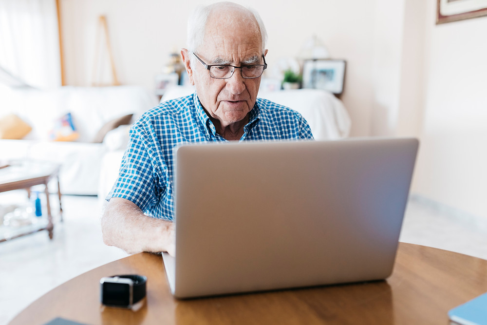 funcionario idoso