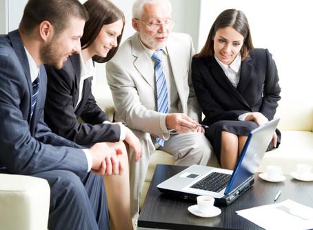Pessoas com mais de 50 anos entram no radar de programas de recrutamento e seleção