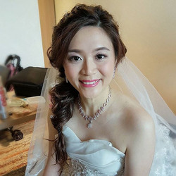 Congratulations to pretty bride Shirley! Thanks for being such a bright and cheery bride though u ba