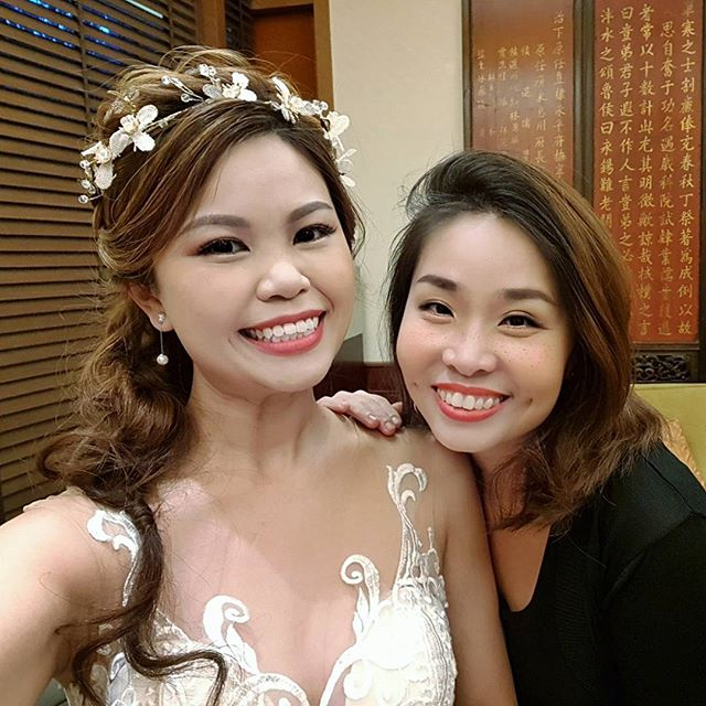 Throwback wefie with pretty bride Peifen~ thanks for being such a sweet customer, with all the littl