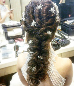 Finally ended my crazy day. Gonna share a pretty hairdo for my bride's 1st march in today