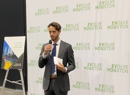 Houston Auto Show Debuts its First All-Electric Showroom in Partnership with EVolve Houston