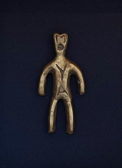 Vestige de la civilisation du Moyaland - Bronze 11 x 5 cm - Cadre 26,5 x 22,5 cm