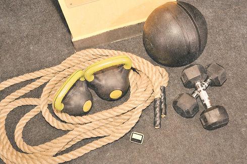 CrossFit%20Equipment_edited.jpg