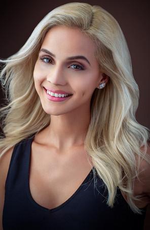 Elizabeth Rodriguez- 5'4