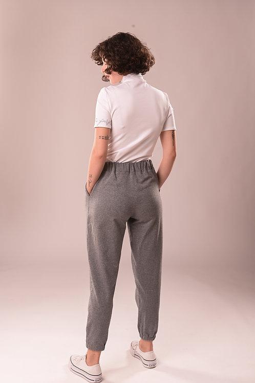 Pantalonii STTY