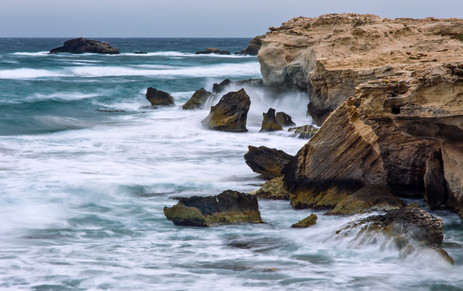 Escullos marejada Cabo de Gata.jpg