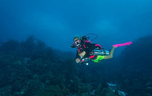 Dietech owner Joanna Mikutowicz on her pink KISS Orca Spirit Rebreather
