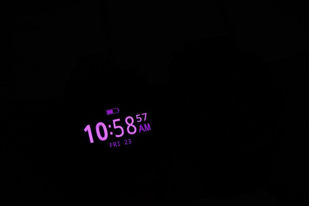 Shearwater Teric vs Garmin Descent MK2i in a dark room.