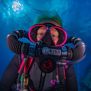 Joanna and her pink KISS Orca Spirit rebreather