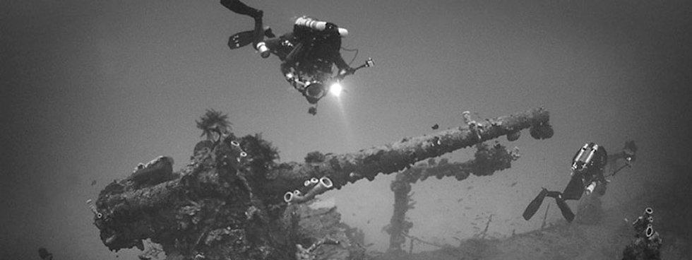 KISS rebreather diver on a shipwreck.