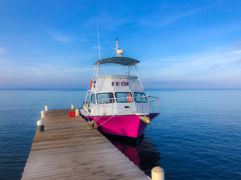 Dive boat in Grand Cayman on a calm day.
