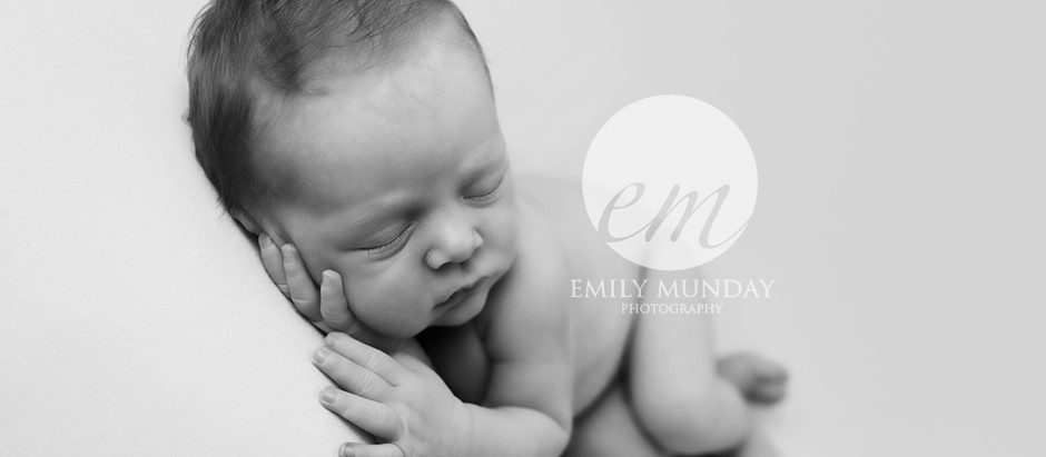 GUEST POST: How to take beautiful newborn photos at home during lockdown
