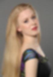 Anneke Bio Photo.jpg