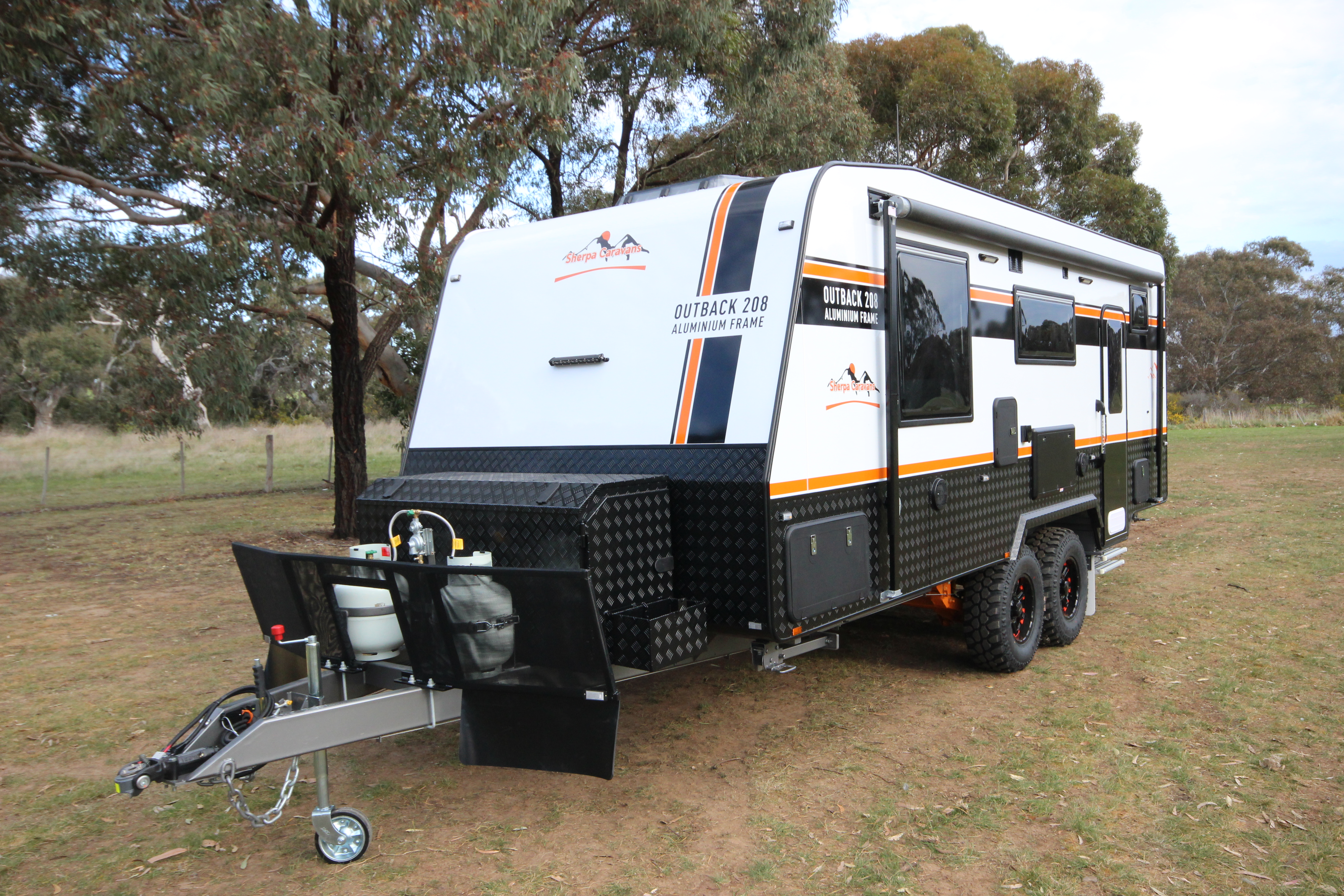eden-caravans-outback-208-3jpg
