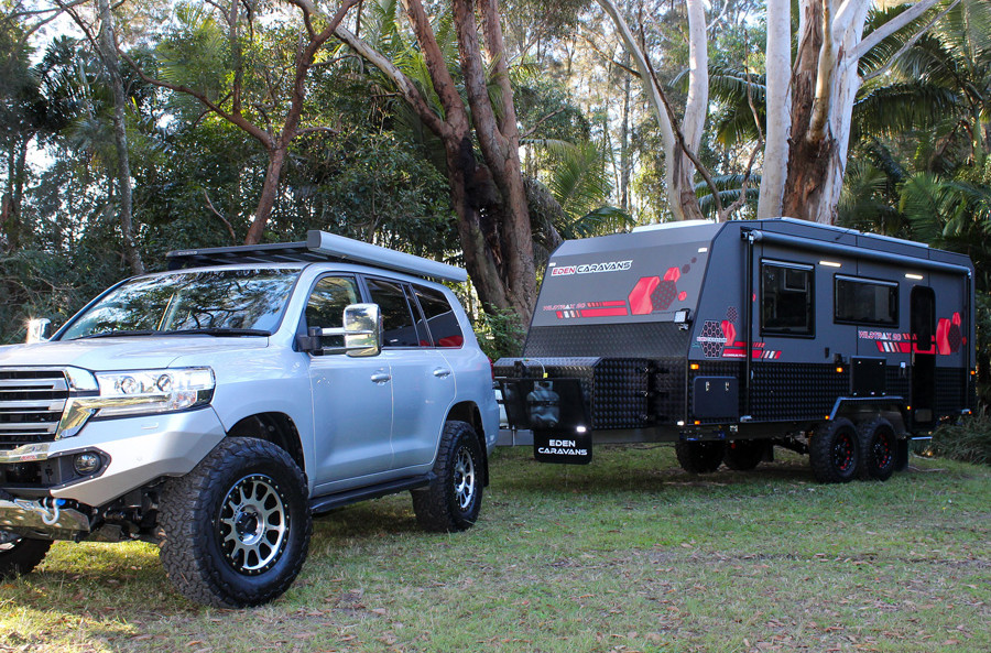 Toyota-Landcruiser-towing-off-road-Carav