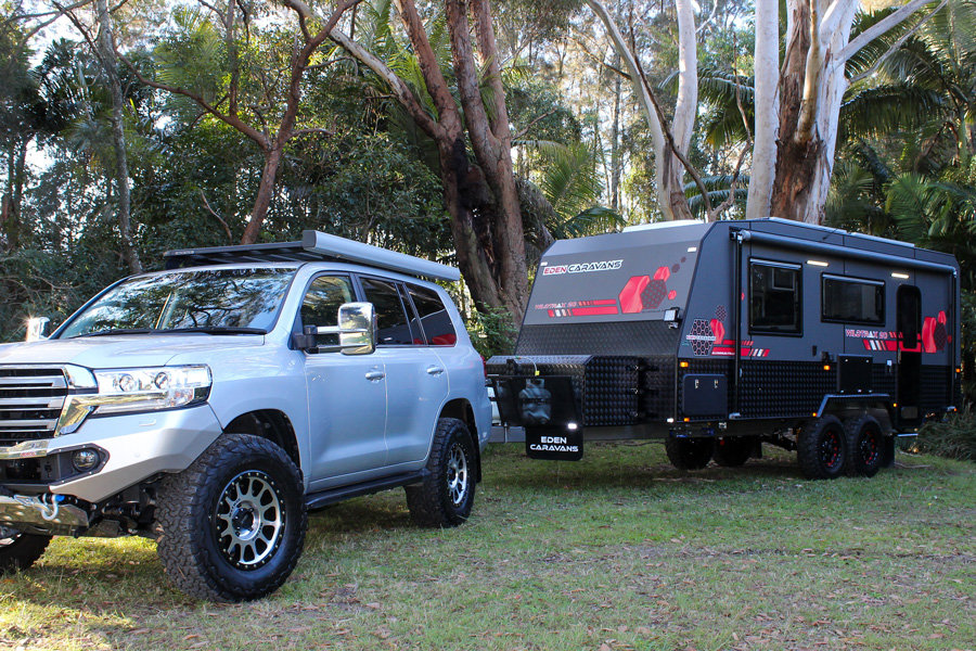 Toyota-Landcruiser-towing-off-road-Carav