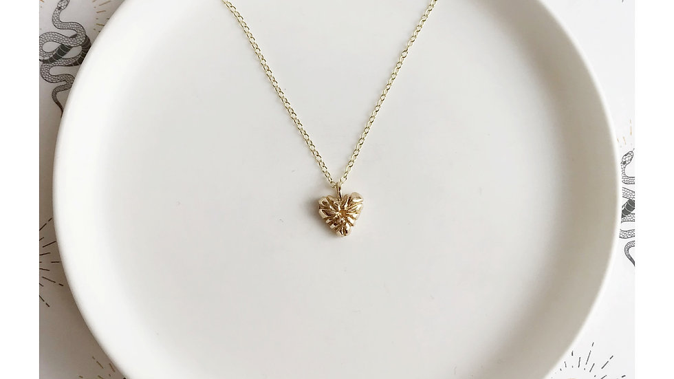 LOVE PENDANT GOLD