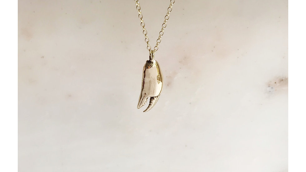 LOBSTER CLAW PENDANT GOLD