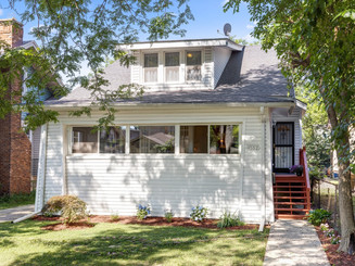 SOLD 4+3BR 1914 FRAME BUNGALOW
