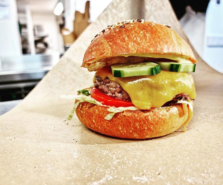 burger california.jpg