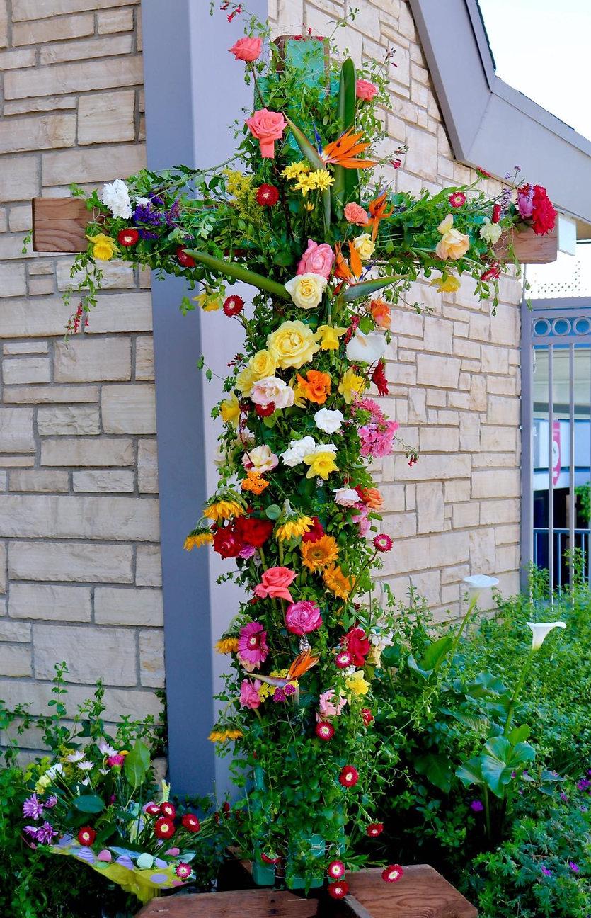 Flower%20cross_edited.jpg