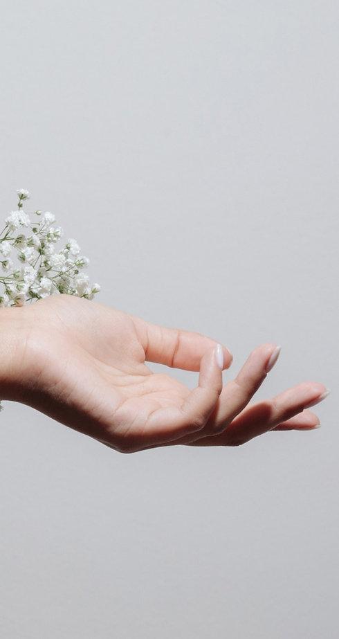 Flowers%2520and%2520Hand_edited_edited.jpg
