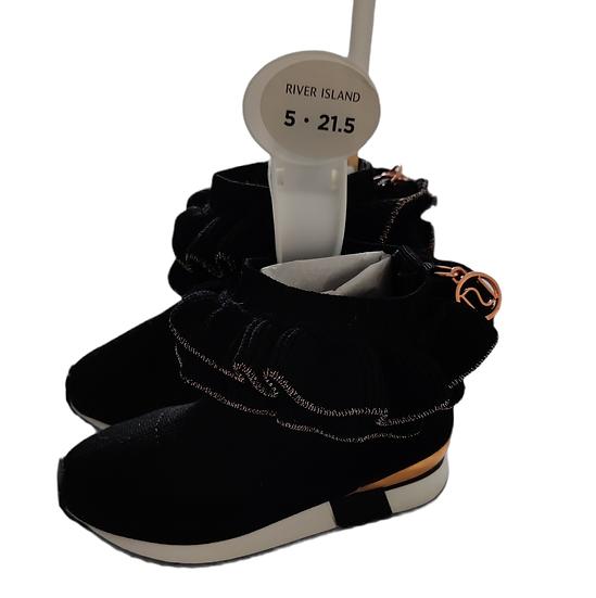 Cutest little black mini sock ruffle trainer