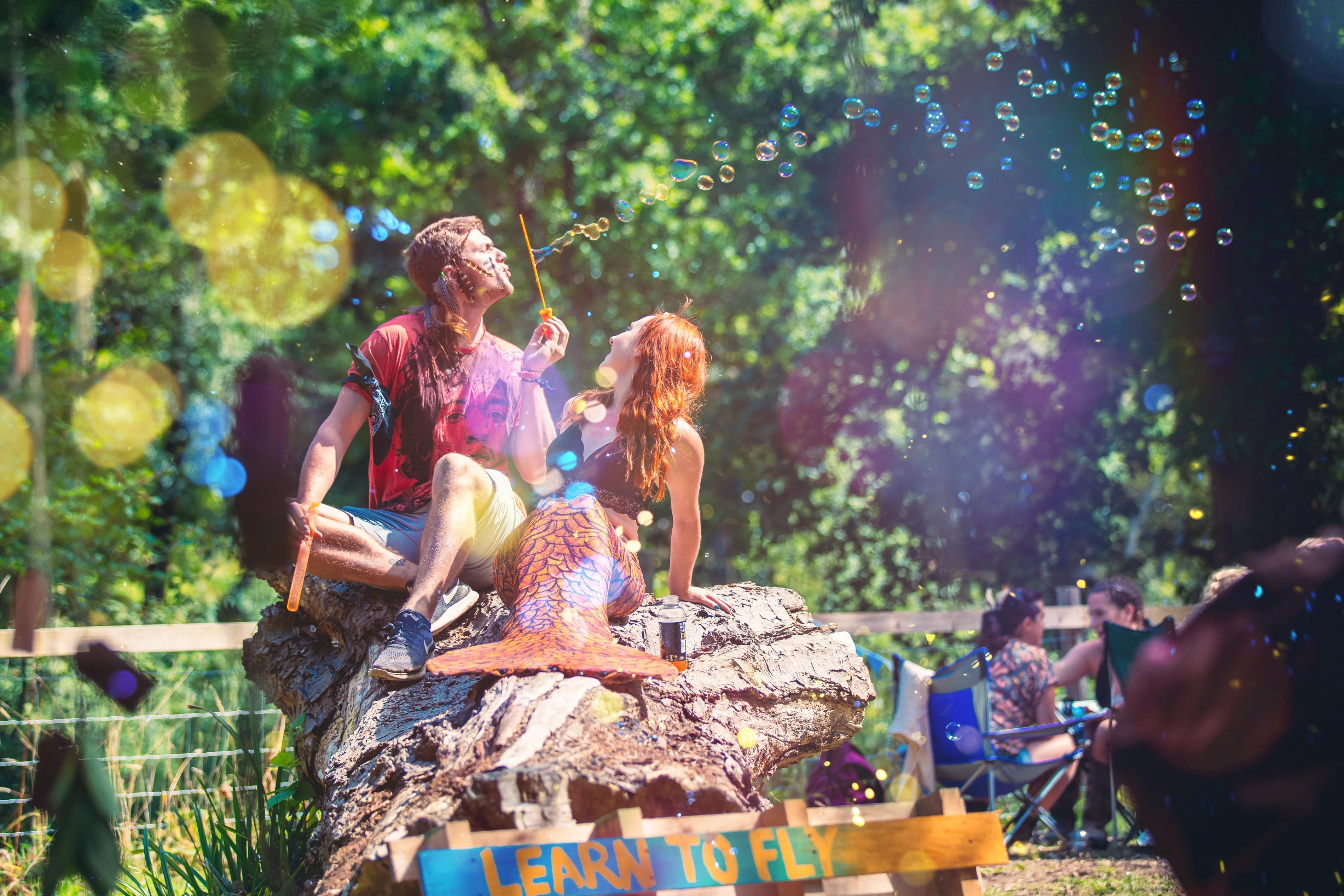 memaids bubbles on rock