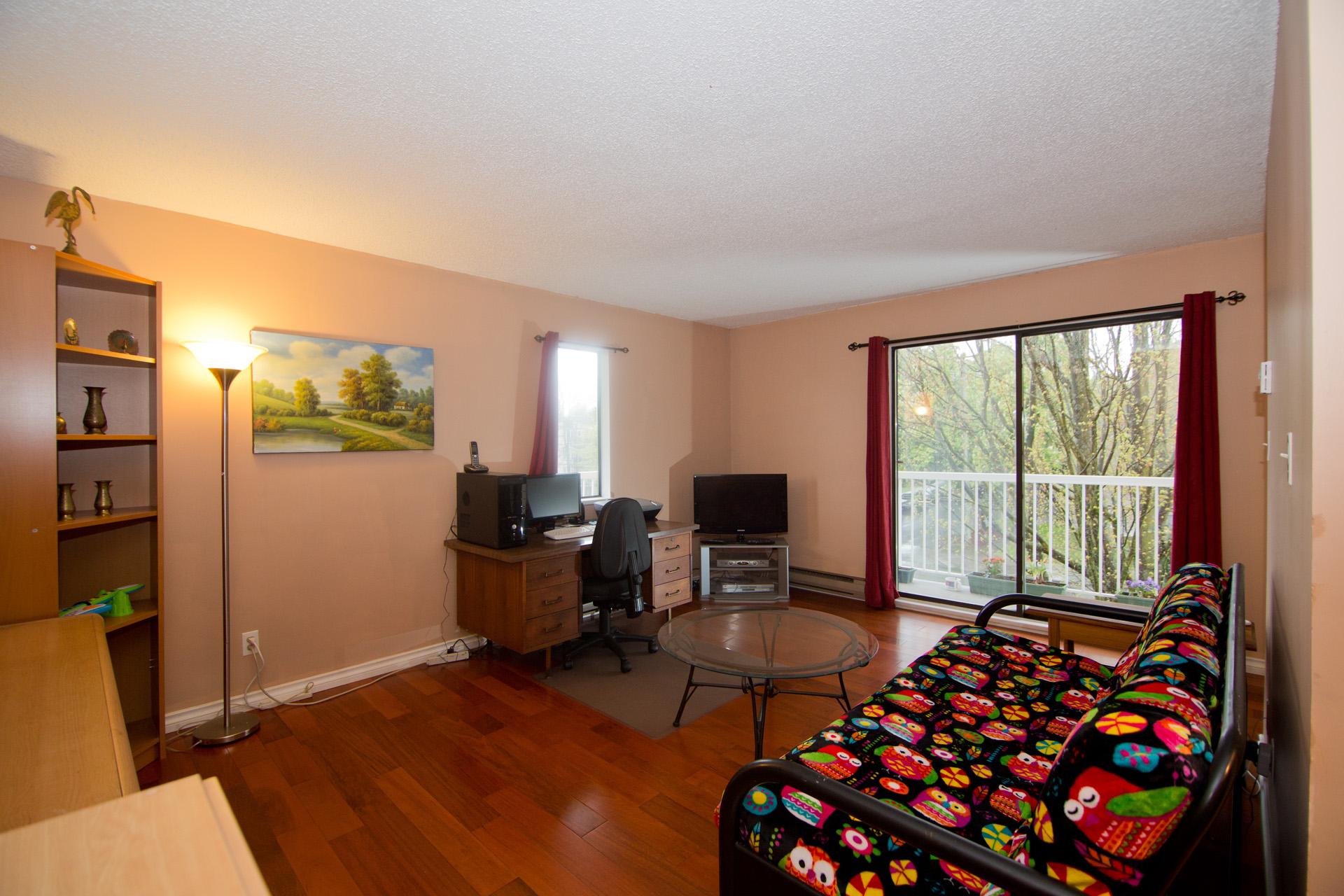 apartment 04.jpg