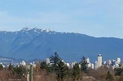 3832 W 10th Av. Vancouver