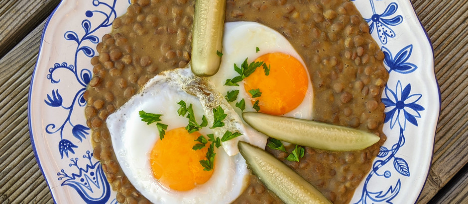 Čočka na kyselo se sázeným vejcem
