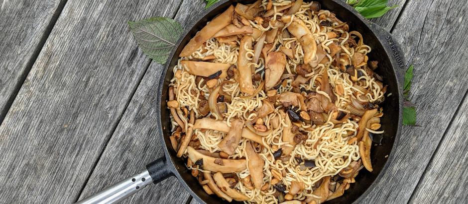 Kokos, arašídy a lilek s wok nudlemi