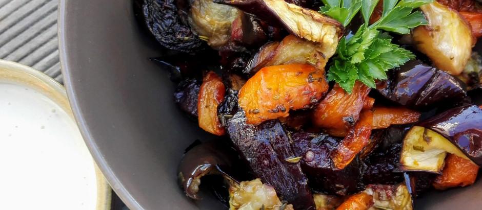 Pečená řepa s mrkví a lilkem s kešu majonézou