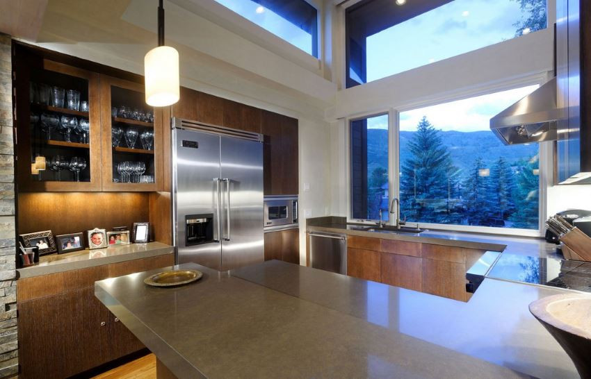 Kitchen-with-a-forest-and-mountain-view.