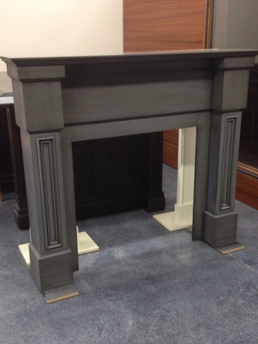 Mantel in grey