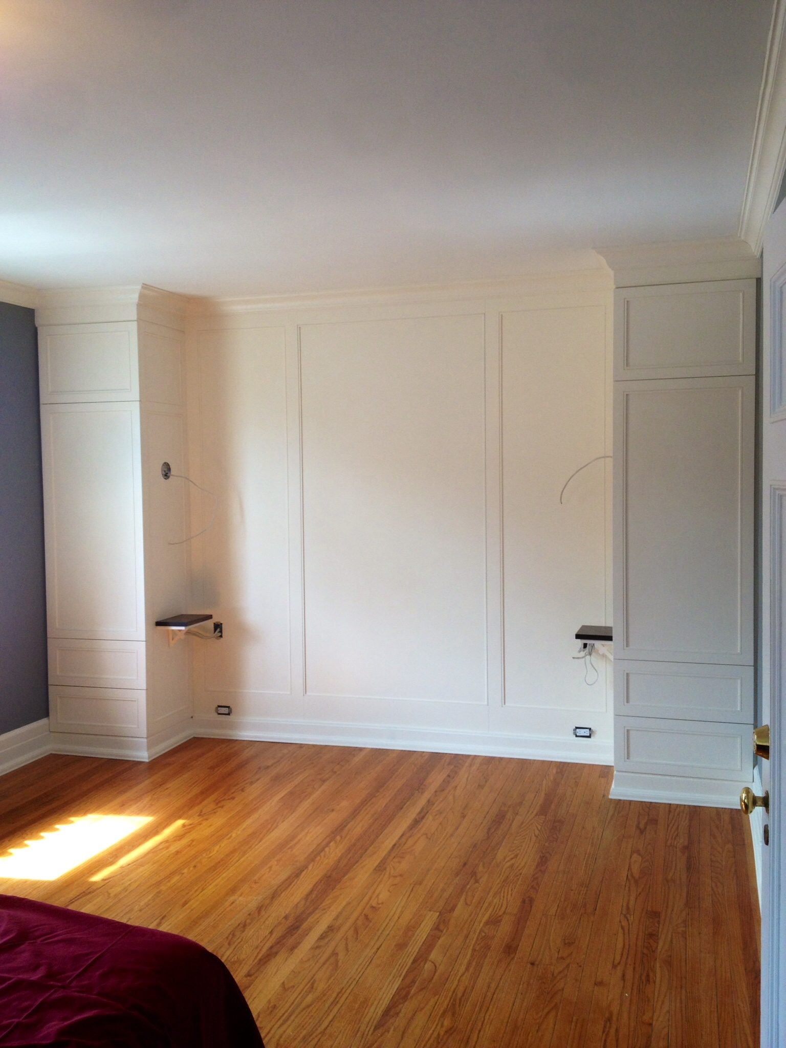 Wall unit / closet space for bedroom