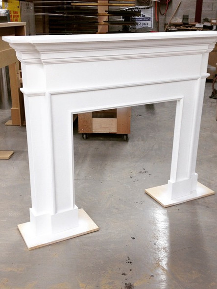 Mantel in white_