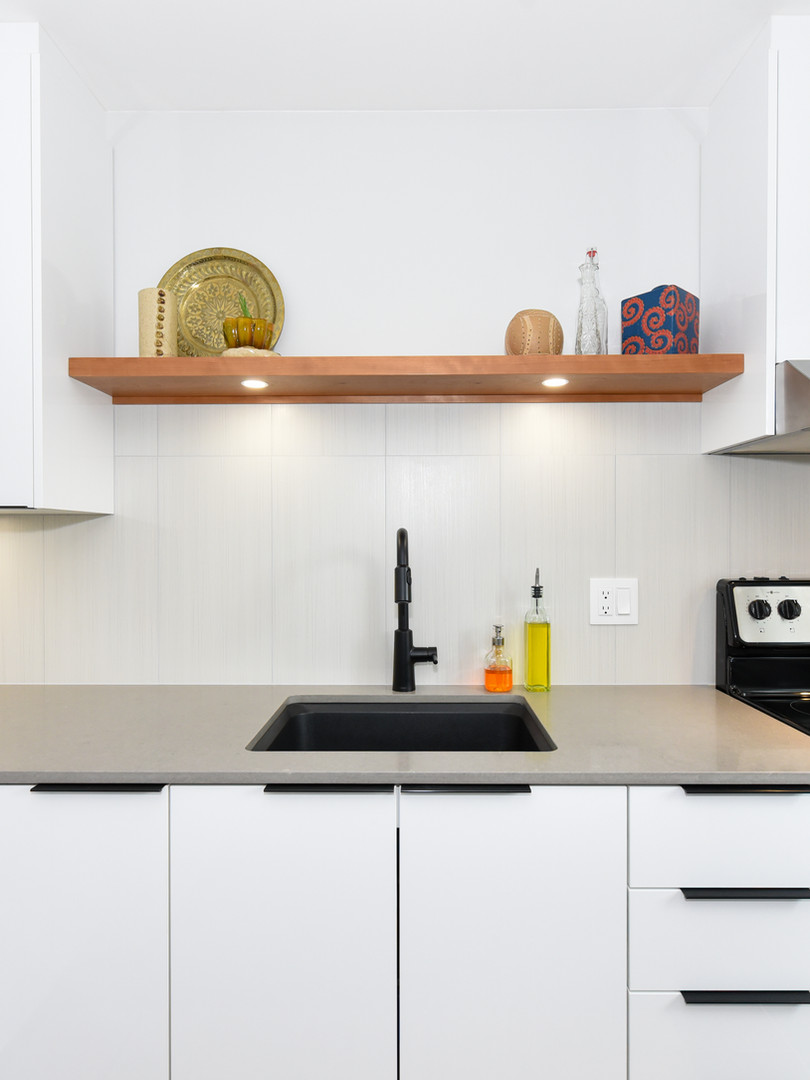 White Harmony acrylic panel kitchen_