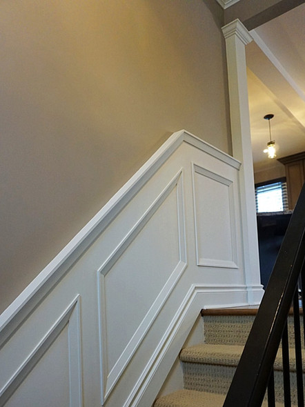 Wainscoting and interior column 2_